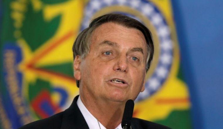 Bolsonaro faz live com notícias falsas e admite não ter provas sobre as fraudes eleitorais (Crédito: Reuters)