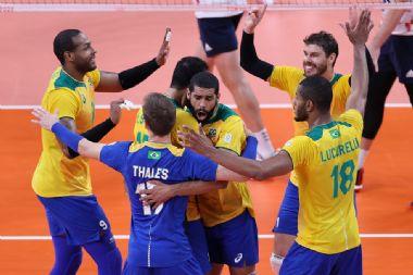 Seleção masculina de vôlei se recupera e vence os americanos nas Olimpíadas