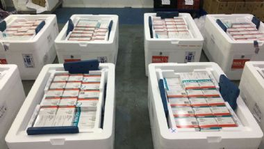 Fiocruz libera 1,7 milhão de doses de AstraZeneca após duas semanas sem distribuição