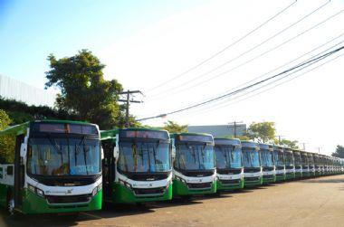 Prefeitura adia para terça entrega de 144 novos ônibus